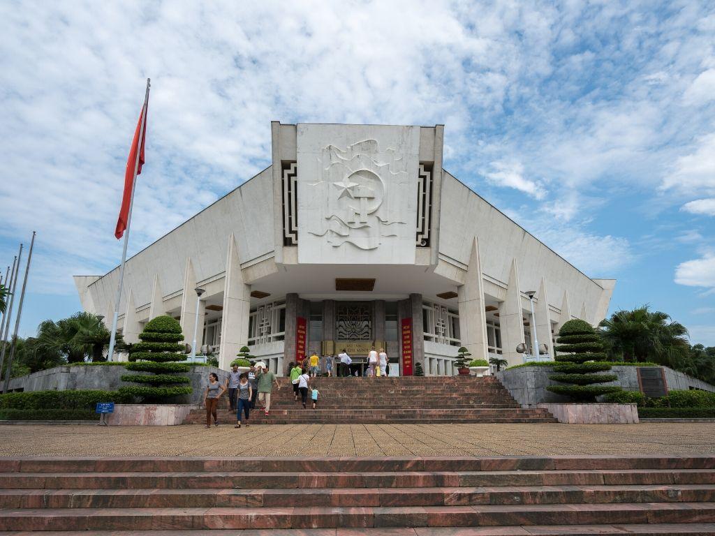 Museu de Historia Militar do Vietname em Hanoi